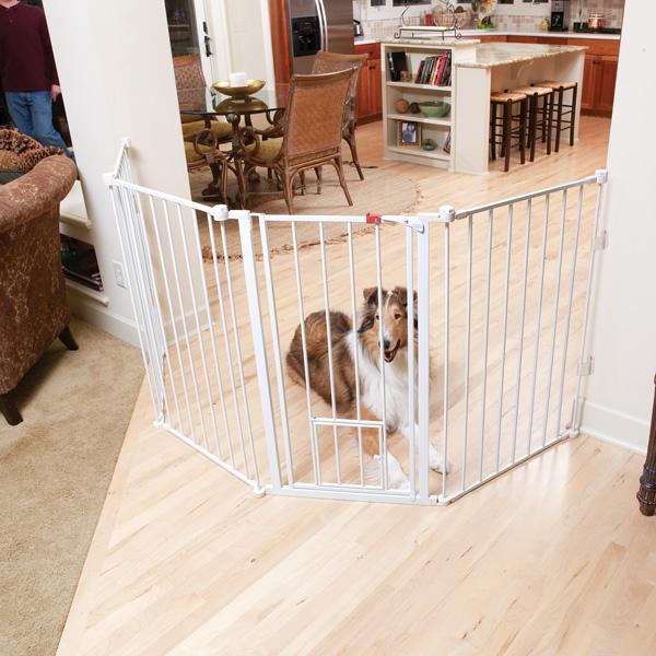 Carlson Flexi Walk-Thru Dog Gate with Pet Door