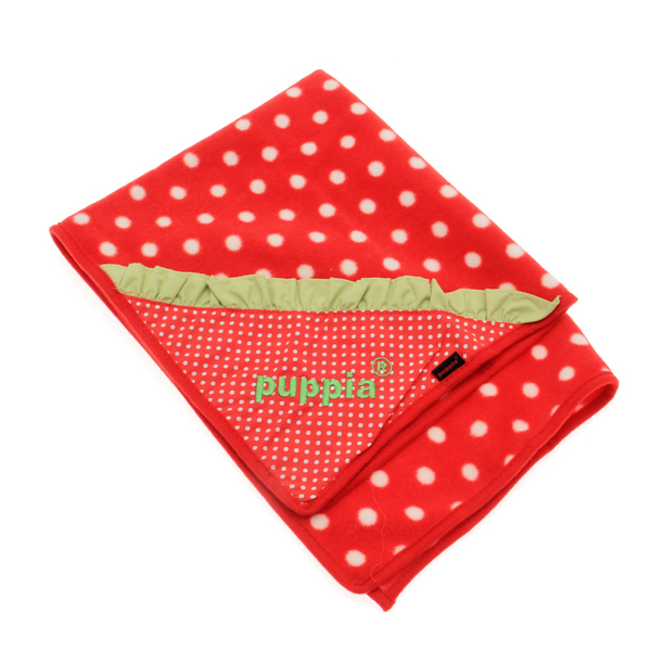 Strawberry Dog Blankie by Puppia
