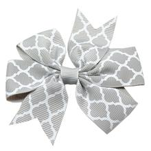 Quatrefoil Dog Bow - Gray